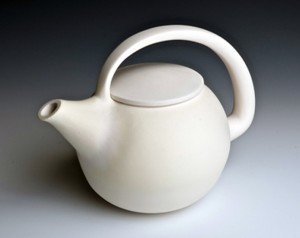 don-olliff-white-teapot